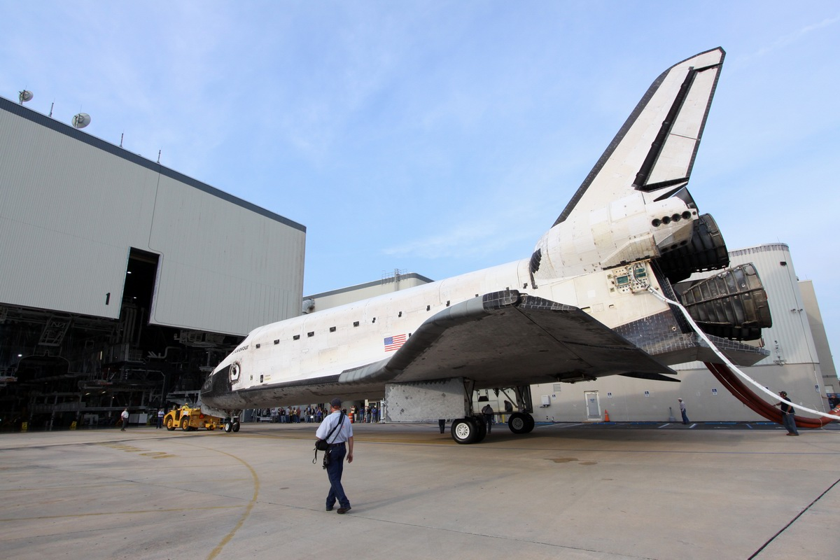 where is endeavour space shuttle right now - photo #26
