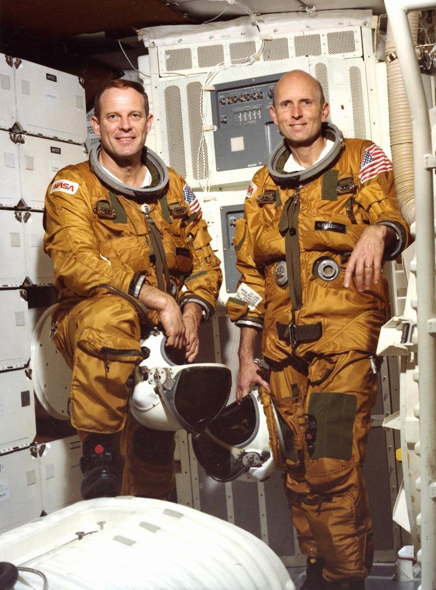 Quelques questions à propos de l'ISS EES%20s82-25504