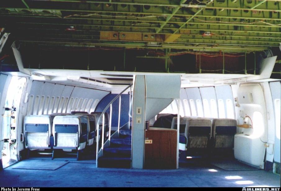 Le boeing 747 porteur sca partie 2 for Interieur 747