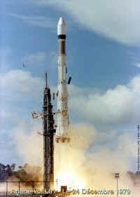 KSLV-1 (STSAT-2A) - 25.8.2009 [Echec] - Page 5 1979_L01_launch_02_small